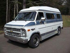 1990 Chevrolet G20 class B Camper Van *No Reserve*