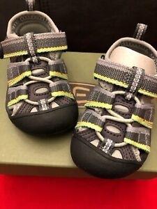 Keen Newport H2 Racer Gray Sandal US Tots Size 4 New in box