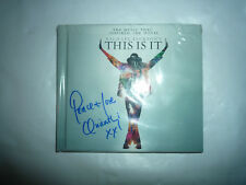 MICHAEL JACKSON  This is it  signed by ORIANTHI 2 CD