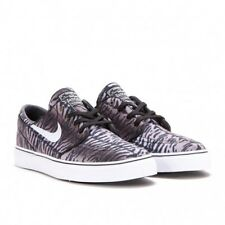 Nike Men's SB Zoom Stefan Janoski Canvas Tiger Stripe Sneakers 615957-013
