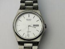Seiko Sq 5Y23-8A50 día/fecha para hombre de cuarzo Reloj para reparación, Vintage Reloj Seiko