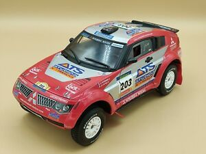 1/18 Mitsubishi Pajero Evo Rallye Raid Paris Dakar 2004 Solido ref: 9052 No Box