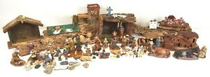 PORTAL OF BETHLEHEM. 60 TERRACOTTA FIGURES AND RESIN. SEVERAL SCALES. CIRCA 1940