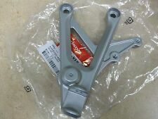 NEW OEM HONDA CBR600F4i 600 F4i F4 CBR600 600F4 LEFT FOOTPEG BRACKET 1999-2006