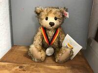 Steiff Tier 671135 TeddyBär Deutschlandbär 22 cm. Top Zustand