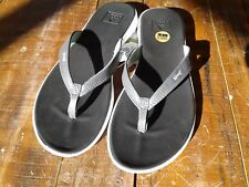 "Reef Women's ""Rover Catch"" sandals Black/Mint size 6"