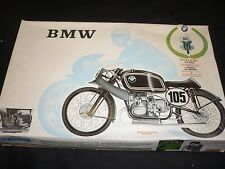 Un vintage PROTAR ONU Made Kit plastique d'une BMW 500 cc, boxed.