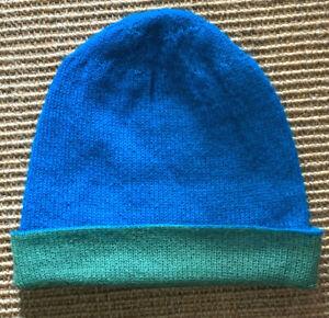 Schöne Mütze doppelt gestrickt zweifarbig aus 100% Baby Alpaka SONDERANGEBOT