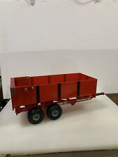 "1/16 Vintage Red Dump TRAXXAS Trailer by ERTL , (19 1/2"" X 7"" X 6"" ) Mint!!"