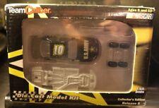 Team Caliber 2003 Jerry Nadeau #01 US Army NASCAR 1/64 Diecast Model Kit