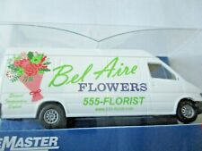 Walthers SceneMaster # 949-12205 Delivery Van-Flower Shop Made By Busch (HO)