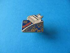 STAMPANTE Canon pin badge. SMALTO. Arthus Bertrand. in buonissima condizione
