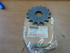NOS OEM Yamaha Dr Sprocket 15T 1968-03 DT250 DT1 RT2 YZ360 XT500 214-17461-50-00