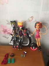 Monster High Muñecas Werecats Scooter Paquete (Meowlody, Purrsephone & Toralei)