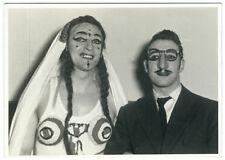 photo snapshot déguisement masque - les mariés 1950 drag queen transvestite