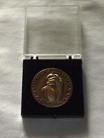 VINTAGE 2003 WALT DISNEY  COLLECTOR'S SERIES THE LION KING SIMBA MEDAL