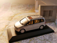 MINICHAMPS VW TOURAN DEALER-VERSION ART. 841902107 NEW DIE-CAST