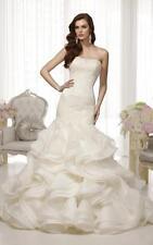 Essense of Australia Wedding Dress: Style D1479 Size 10