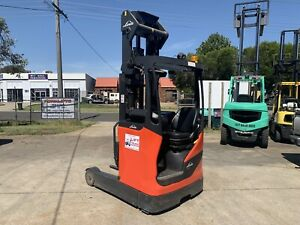 Forklift - 2016 Linde Reach Truck with Under 200 Hours of Operation