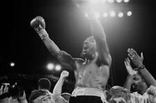 Old Boxing Photo Marvin Hagler Celebrates Winning Against Thomas Hearns
