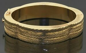 Heavy vintage 14K yellow gold floral hinged chunky bangle bracelet
