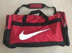 Large Red Nylon Men's Nike Gym Duffle Bag