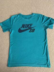 NIKE Boys & Girls Green t-shirt 12-13 yrs - size XL