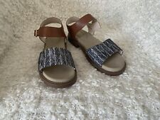 Clarke's ladies leather sandals size 8 New Without Box
