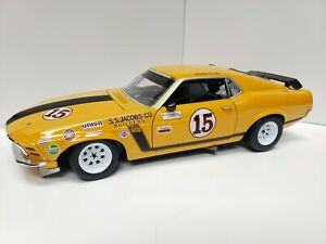 Welly Ford Mustang Boss 392 George Follmer Race Car 1:18 scale Model Car