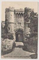 Isle of Wight postcard - The Great Gateway, Carisbrooke Castle