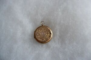 ANTIQUE 9CT ROSE GOLD CHASED DOUBLE PHOTO LOCKET - C1920'S 4.38G & CHARMING!