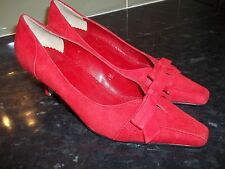 NEW ~ M&S BEAUTIFUL DEEP RED SUEDE BOW FRONT COURT STYLE SHOES  SZ UK 3.5