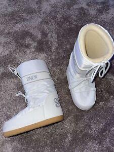 ladies size EUR 38-40 UK 5-7 white snow boots moon boot style VGC