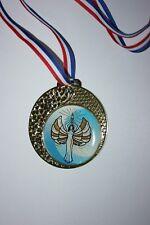 """Médaille """" Or """" VICTOIRE Bl  avec ruban diamètre 70 mm poids 50 gr"""
