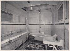 D2992 Transatlantico Roma - Un gabinetto con lavabi e vasca - 1927 vintage print