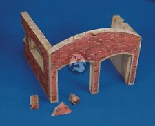 Royal Model 1/35 Destroyed Factory Section [Plaster Diorama Model kit] 002