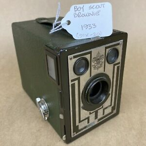 Kodak Boy Scout Brownie Six-20 1933 Green Vintage Box Camera