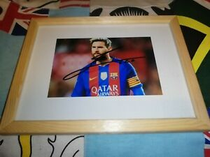 Lionel Messi hand signed FC Barcelona photo in a Frame