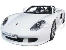 PORSCHE CARRERA GT WHITE 1:18 DIECAST MODEL CAR BY AUTOART 78045
