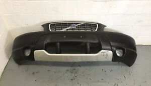 2001-2004 Volvo XC70 Front Bumper Assembly