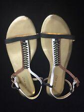 NINE WEST - T-bar flat sandals Black/White/Tan w Gold Chain embelishment - Sz 7M
