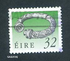 IRISH POSTAGE - IRISH ART TREASURES - 32 PINGIN STAMP 1990 EIRE IRELAND