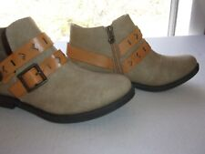 Blowfish Cloth Ankle Booties 6.5 double buckle zip side