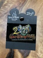 Walt Disney World 2000 Celebrate the Future Hand in Hand Trading Pin