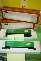 Two Tyco # 100 024 Burlington Northern Fifty Foot Box Cars HO Scale