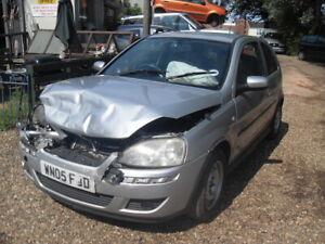 Vauxhall Corsa C 1.2 16V 2005 Twinport 3Dr SXi Silver BREAKING - RANDOM FUSE