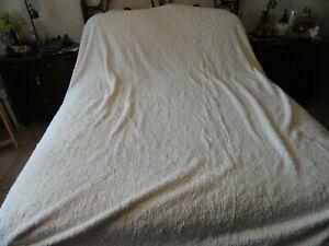 Smith & Johnson 100% Cotton Tufted Chenille Stripe Textured King Bedspread.