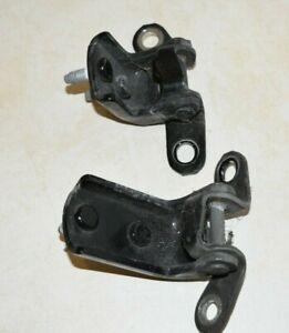 LEXUS IS200 XE10 MK1 98-05 4DR REAR PASSENGER N/S/R LEFT DOOR HINGES BLACK 202