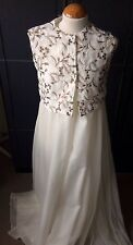 VINTAGE UNUSUAL WHITE WITH BROWN FLORAL TOP HALF FLOATY CAPE STYLED LONG DRESS M