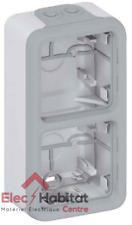 Cadre saillie étanche 2 postes vertical Plexo gris Legrand 69661